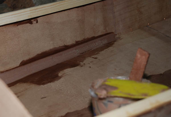 la resina epoxi para construir piraguas de madera
